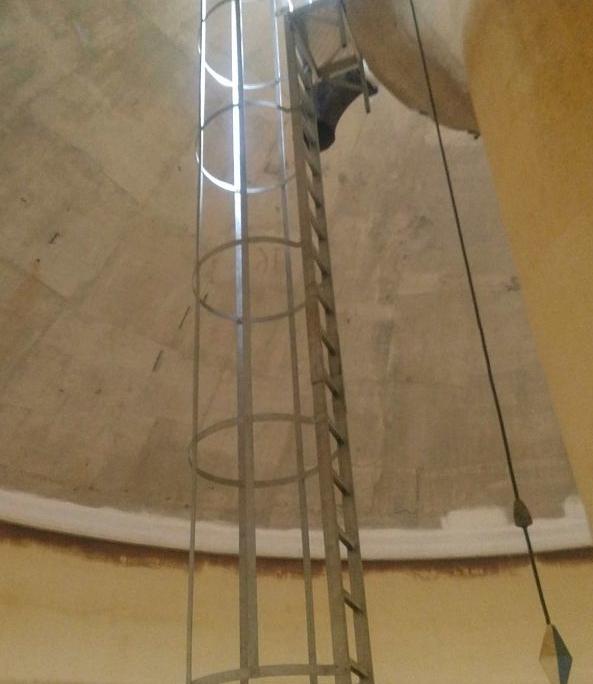 échelle crinoline tour surelevé